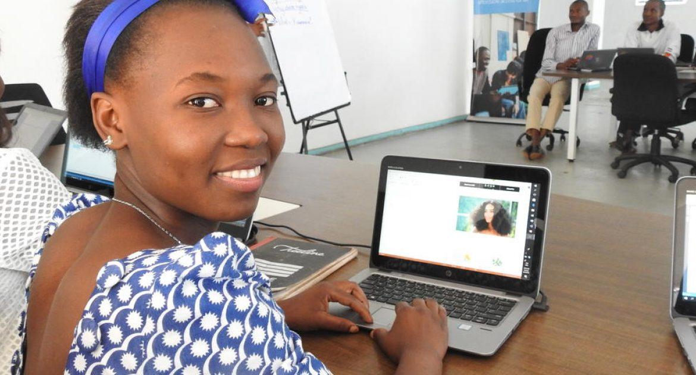 """لاجئون يتدربون على """"برمجة"""" مستقبل جديد لهم في ملاوي"""